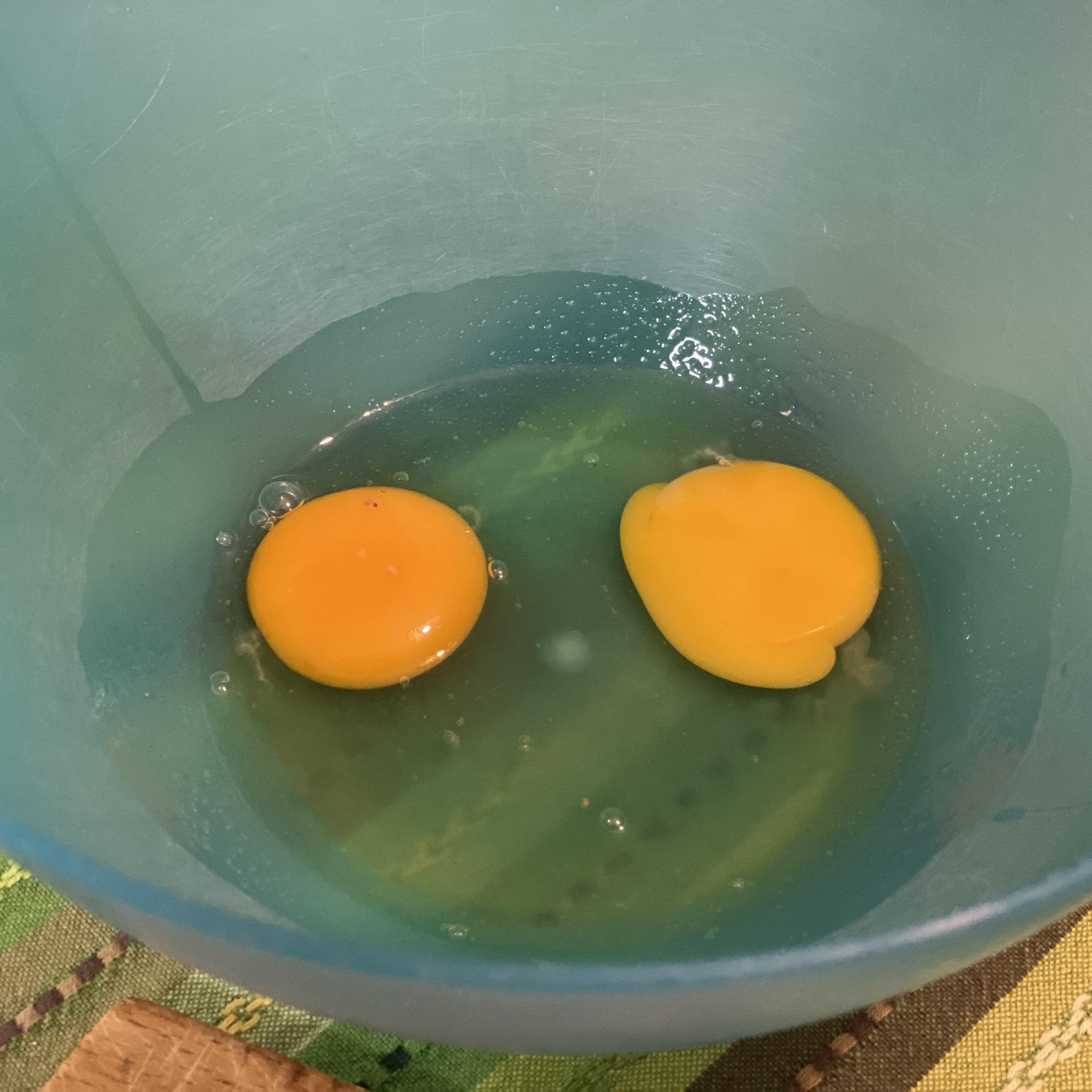 2 uova intere